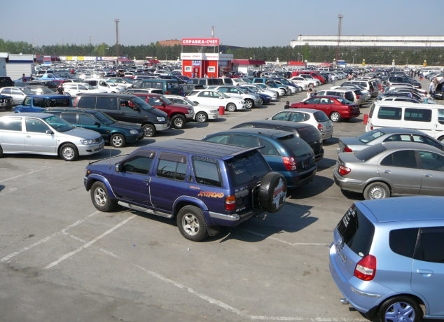 Spinny is a new age online retailer for used cars in India